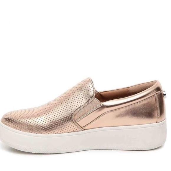 91dd3ef48d6 Steve Madden Genette Rose Gold Slip-On Shoes. M 5b8f131812cd4a0dffbc51c2